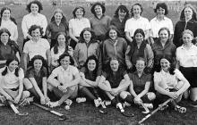 1973-Academy-hockey-team-and-Irish-visitors